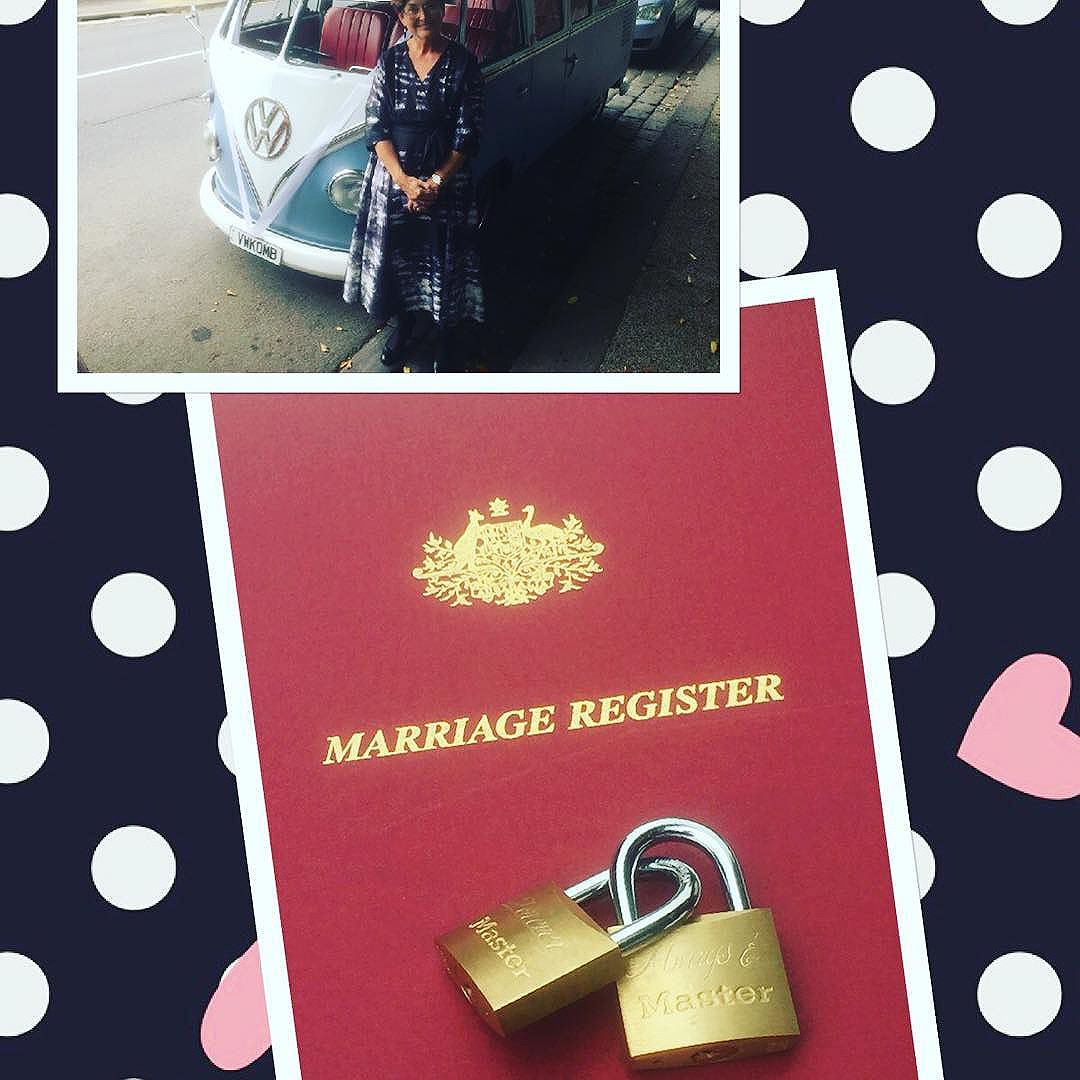 Locks and keys sealed the deal for Kim and Benn and a fantastic arrival for the bridal party.... This 1962 Kombi!